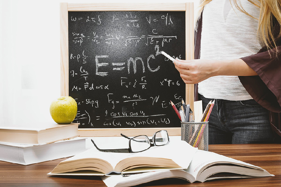 Top Qualities Of A Physics Tutor - the white library